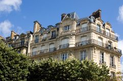 Pariser Wohnung stockbilder