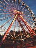 Pariserhjul mot himlen Arkivbild