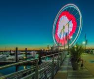 Pariserhjul på den nationella hamnen royaltyfri fotografi