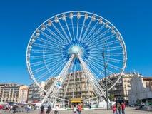 Pariserhjul på port av Marseille Arkivfoton