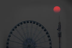 Pariserhjul på solnedgången Royaltyfria Foton