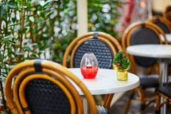 Parisian outdoor cafe decorated for Christmas Stock Photography