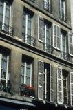 parisianne Windows Στοκ Εικόνες