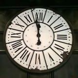 Parisisk klocka för tappning - minuter till midnatt Royaltyfri Fotografi