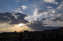Park am Abend mit Sonnenlicht Stockbilder
