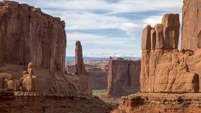 Park Avenue-de rotsvorming bij zonsondergang overspant Nationaal Park Moab Utah Royalty-vrije Stock Fotografie