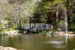 Park-Brücke â Sayen Gärten Lizenzfreies Stockbild