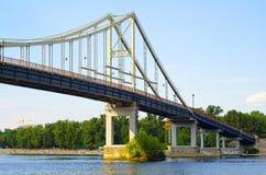 Park-Brücke - eine Fußgängerbrücke Stockbild