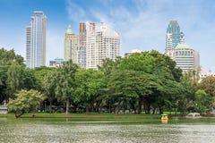 Park City et bâtiment moderne Photographie stock