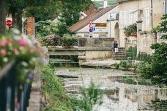 Park in de stad van Chablis royalty-vrije stock foto