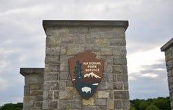 Park door National Park Service in werking dat wordt gesteld dat stock foto's