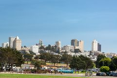 Park en Stadsmening Stock Afbeeldingen