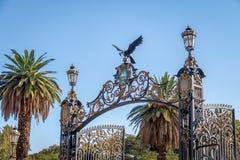 Park Gates Portones del Parque bij Algemeen San Martin Park - Mendoza, Argentinië royalty-vrije stock fotografie
