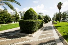 Park in het centrum van Nahariya, Israël Stock Fotografie