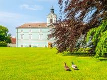 Park i renaissance górska chata w Dacice, republika czech Fotografia Royalty Free