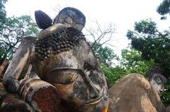 Park Kamphaeng Phet historischer Aranyik-Bereich, Buddha von Thailand Stockbilder