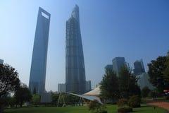 Park in lujiazui financieel centrum, Shanghai, China Stock Afbeeldingen