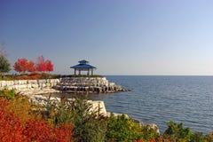 park na nabrzeże jesieni obraz stock