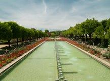 Park och damm i Alcazar av Cordoba Royaltyfri Bild