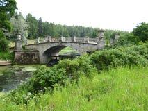 Park in Pavlovsk, Umlagerungen von St Petersburg stockfoto