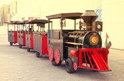 Park Rozrywki sztuki pociąg Dubaj, UAE na 28 2017 Czerwu Zdjęcie Royalty Free