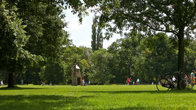 Park scene and leisure summer activities Stock Photography