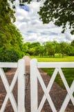Park witte houten poort Royalty-vrije Stock Fotografie