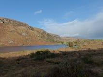 Parka Narodowego Irlandia Gougane Barra skalisty i jeziorny Irlandzki krajobraz fotografia royalty free