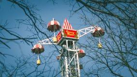 Parka rozrywki przyciąganie, przegląd od Ferris koła, Krestovsky wyspa, Petersburg 10 2018 Kwiecień Zdjęcia Royalty Free