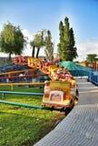 Parkanziehungskräfte und Unterhaltung Sunny Island in Krasnodar stockbild