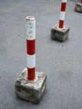 Parkblockierungsgerät in Rotem und in weißem Stockbilder