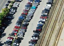 parkeerterrein en sporen Stock Foto's