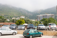 Parken in der Mitte von Petrovac in Montenegro Lizenzfreie Stockfotografie