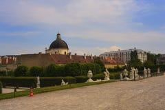 Parkera av belvederen, historisk byggnadkomplex i Wien royaltyfri foto
