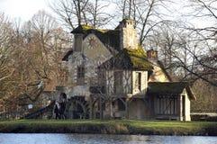 Parkera av slotten av Versailles Arkivfoto