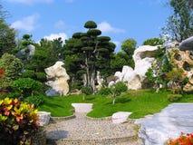 Parkera av stenar i Pattaya Royaltyfri Foto