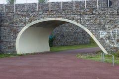 Parkera banan med bron över Royaltyfri Bild