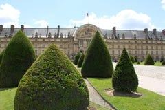 Parkera designen, landskapet nära Louvre, Frankrike Arkivbild