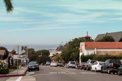 Parkera gatan i Laguna Beach Arkivfoton