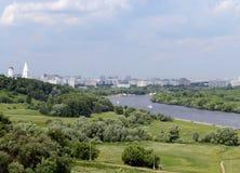 Parkera Kolomenskoye i den ryska huvudstaden Arkivfoto