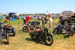 Parkera motorcyklar Arkivbild