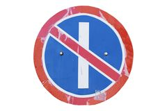 Parkera som förbjudas på det Odd Days vägmärket som isoleras på vit Arkivbilder