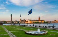 Parkera Stadshusparken med monumentet Engelbrekt, Stockholm, Sverige arkivfoto