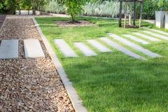 parkera walkwayen Fotografering för Bildbyråer