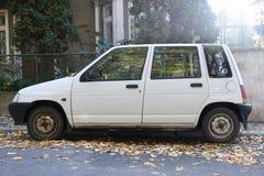 Parkerad gammal bil Arkivbild