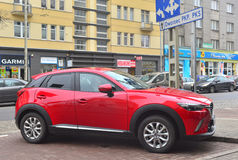 Parkerad Mazda CX-5 övergång Royaltyfria Bilder