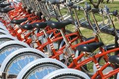 parkerade cyklar Arkivbilder