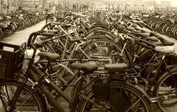 parkerade cyklar Royaltyfri Bild