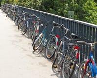 parkerade cyklar Royaltyfria Bilder