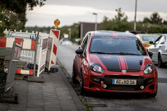 Parkerade Fiat Punto Abarth Arkivfoton
